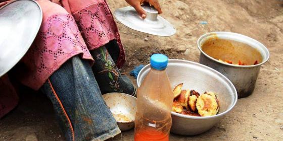 حذرت منظمة أوكسفام اليوم من أن اليمن تقترب أكثر من المجاعة بعد 1000 يوم من الحرب الوحشية التي تفاقمت بسبب الحصار المفروض على موانئها الشمالية الرئيسة التيوتحرمهم من الغذاء والوقود والأدوية.