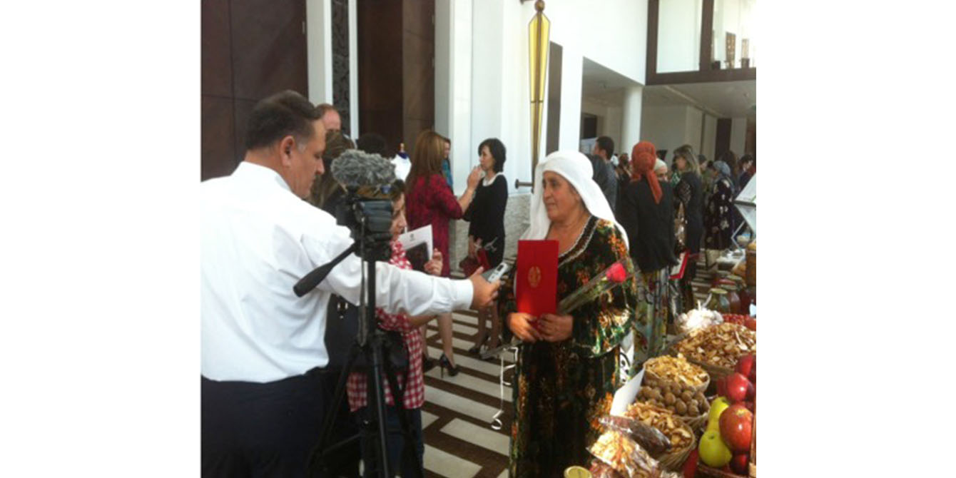 Oxfam in Asia - Publications - Tajikistan - Commited to end poverty