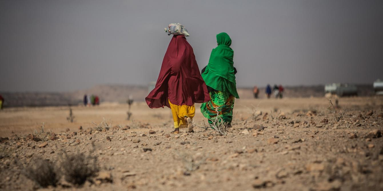 Two women in the displaced camp of Karasharka where thousands of people came here after they lost all their animals to the drought in 2017. Pablo Tosco/Oxfam