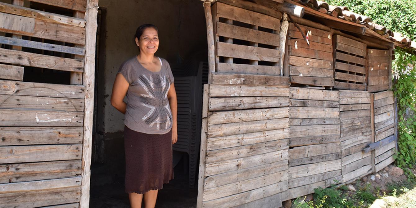 María Magdalena Padilla, participante de los proyectos microempresariales apoyados por Oxfam con el financiamiento de Global Affairs Canada. Foto: Karen Arita / Oxfam en Honduras.