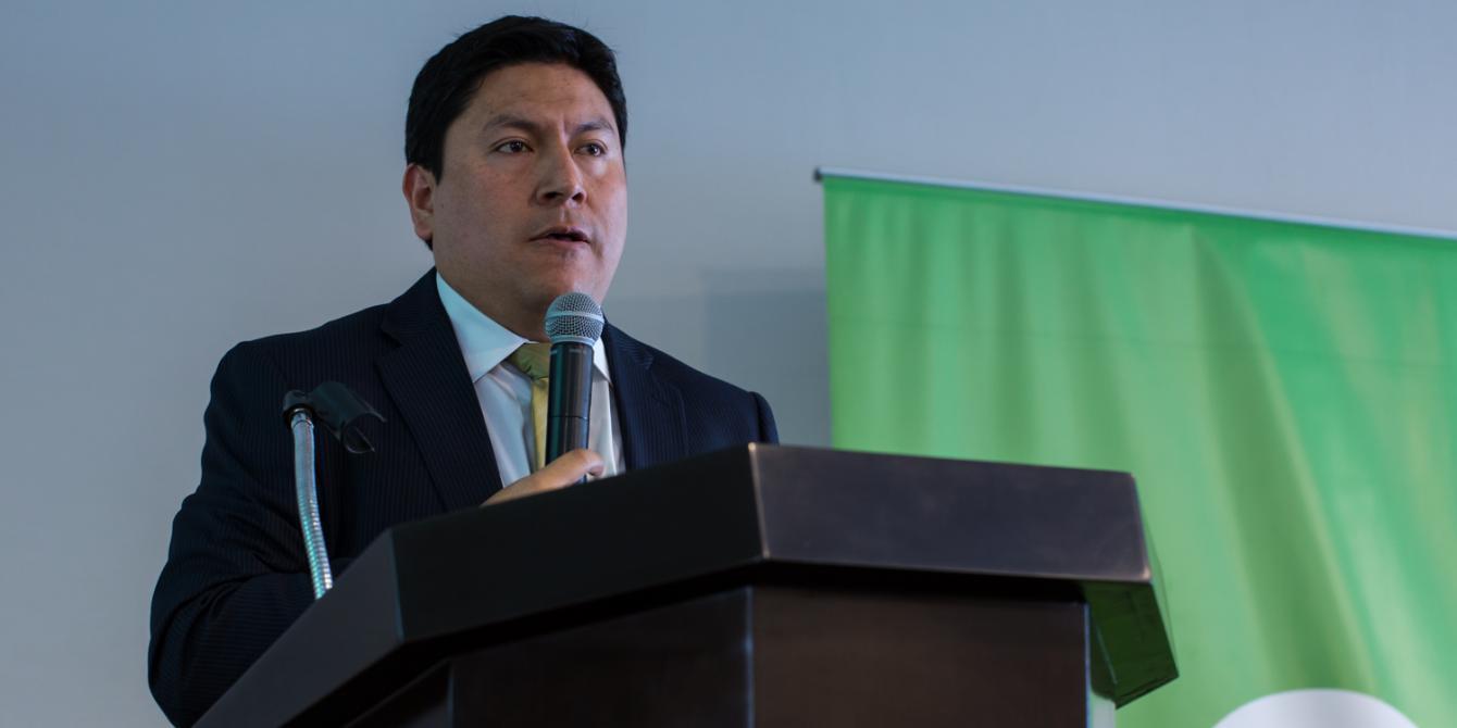 """""""El rol de la DIGESPACR frente al tráfico de tierras en la Amazonía peruana"""" / Ronald Salazar (Dirección General de Saneamiento de la Propiedad Agraria y Catastro Rural - DIGESPACR, MINAGRI)."""