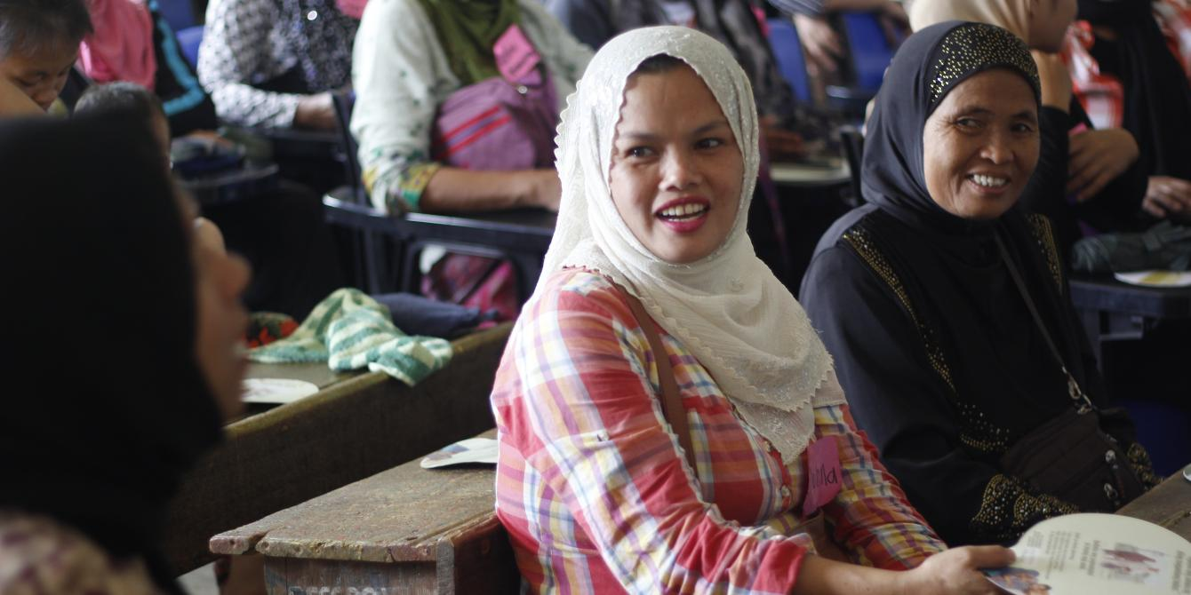 Displaced women from Marawi City participates in the Family Conversation sessions in Saguiaran evacuation center (Photo: Genevive Estacaan/Oxfam)