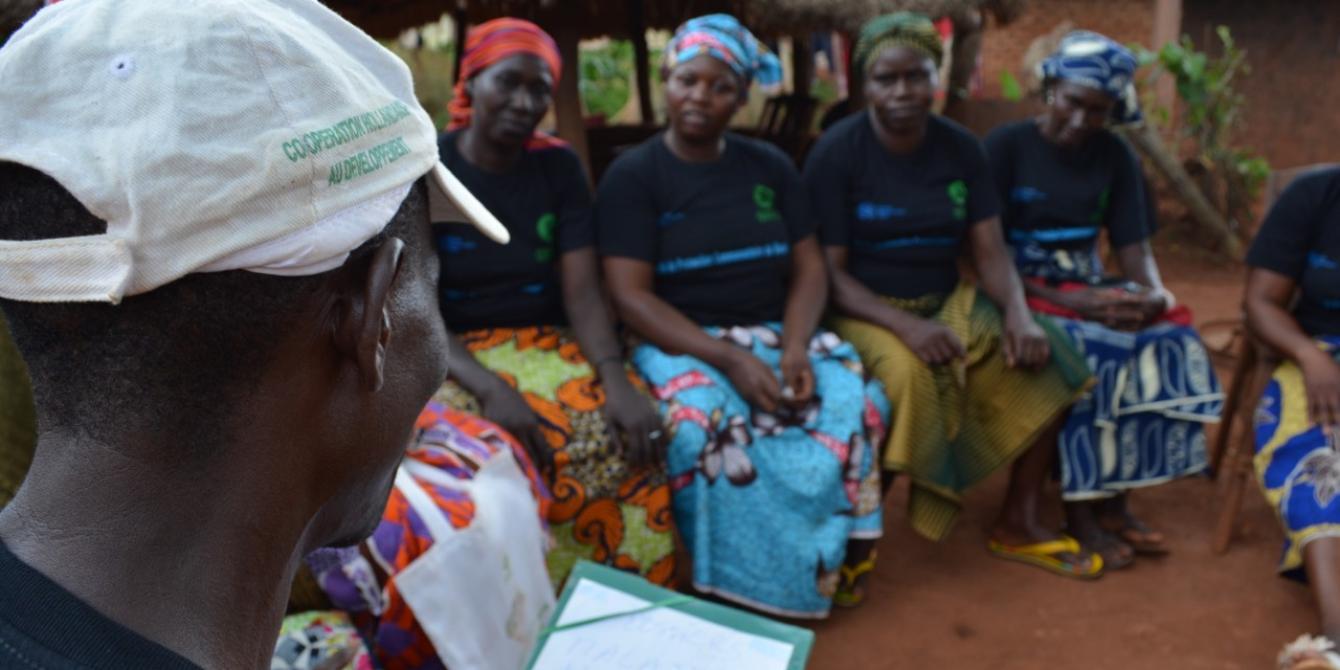 18 juillet 2019 – Tous les mardis, les membres du CPC du quartier Mandé, à Bria, se réunissent pour faire le point de la semaine. Soutenu par Oxfam depuis 2015, le comité a été mis en place pour protéger les civils des agressions ou autres formes de viole